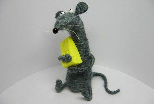 Крыса из ниток