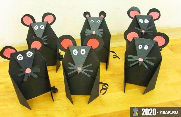 Крысы из цветной бумаги